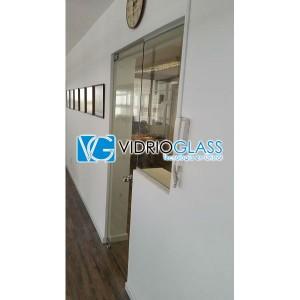 Cerramiento de oficina en cristal